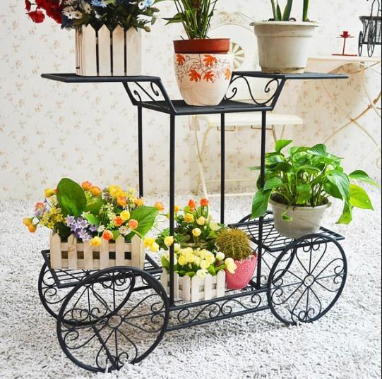 Kệ hình xe đạp mang lại phong cách dịu dàng cho không gian trưng bày