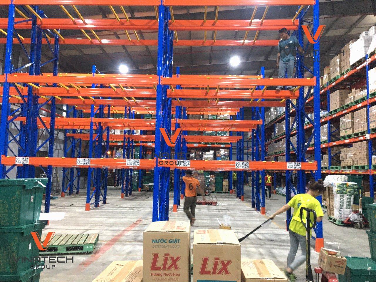 thi công xây dựng kho xưởng chứa hàng hóa